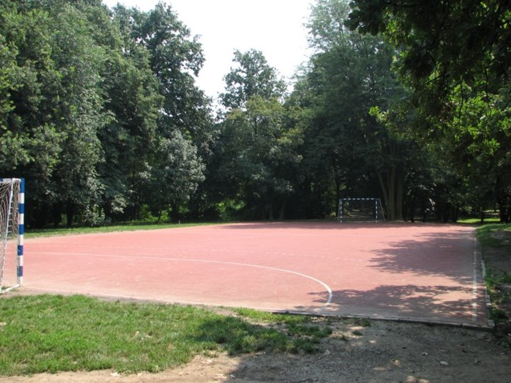 [Handball court and running track Košutnjak]